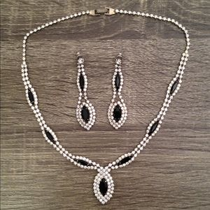 True Vintage Rhinestone Necklace & Earring Set